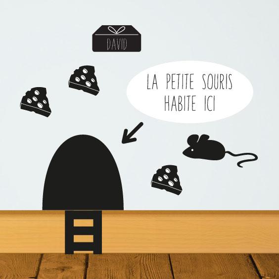 Sticker La petite souris et son fromage avec prénom