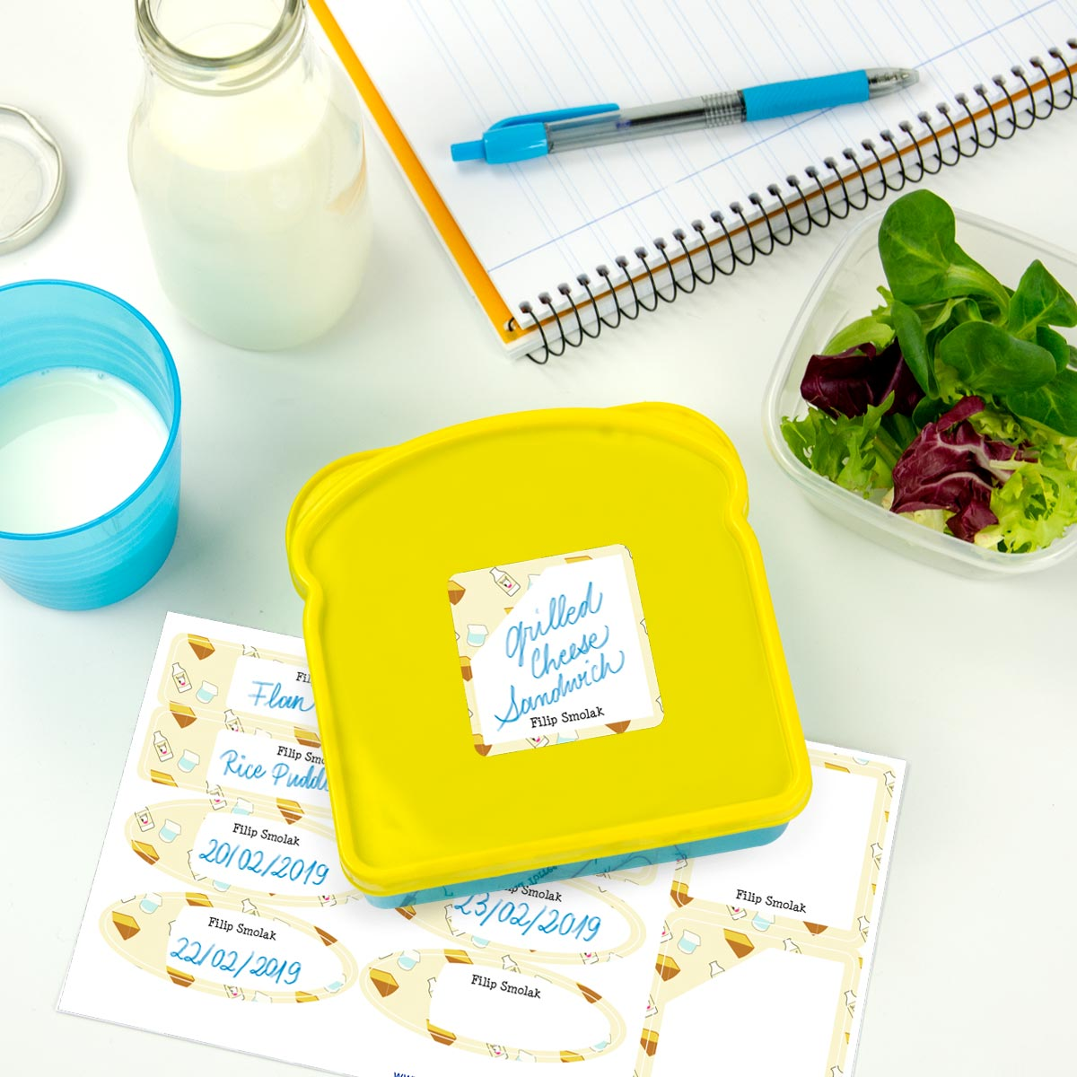 Write-on labels for bottles and lunch boxes with pattern background