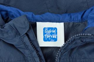 Etiquetas para ropa adhesivas removibles