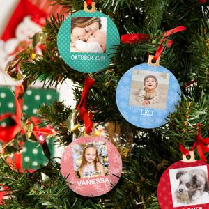 Personalisierte Weihnachtskugeln mit quadratischem Foto