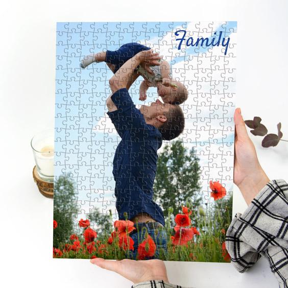 Puzzle di cartone con foto