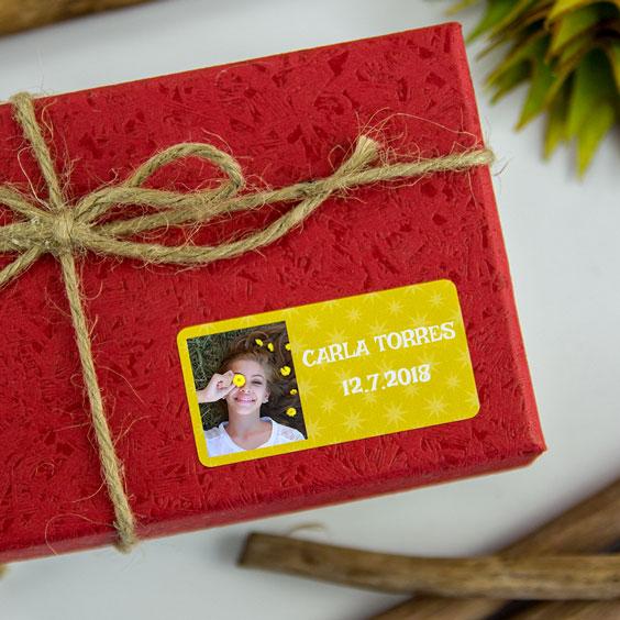 Etiquetas rectangulares con foto y marco para comuniones
