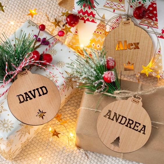Boles de Nadal personalitzades de fusta calada