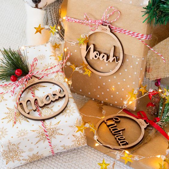 Boles de Nadal amb nom troquelat