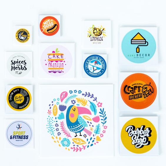 Cirkelformade egendesignade klistermärken