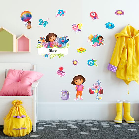 Personalisiertes Wandtattoo von Dora