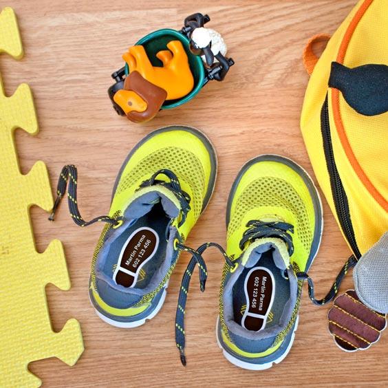 Štítky do bot ve tvaru stopy