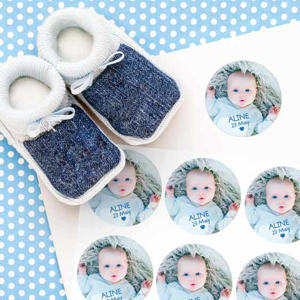 Round photo stickers for baptism favours