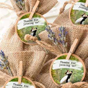 Round photo stickers for wedding  favours