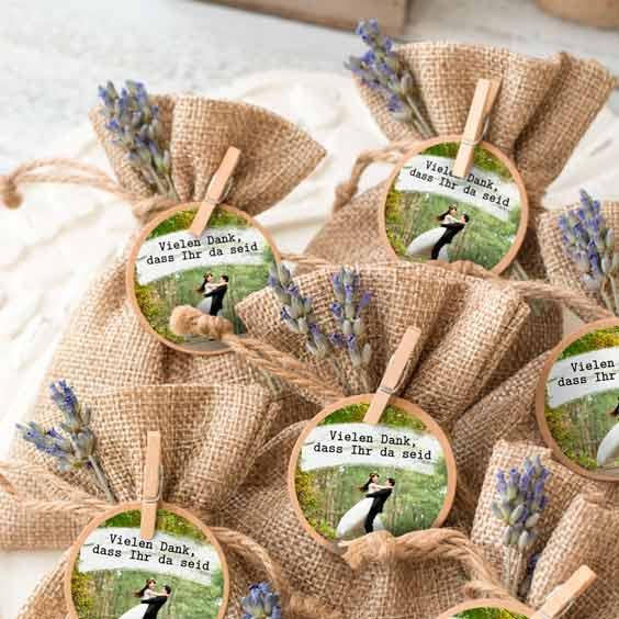 Runde Etiketten mit Foto für Hochzeiten