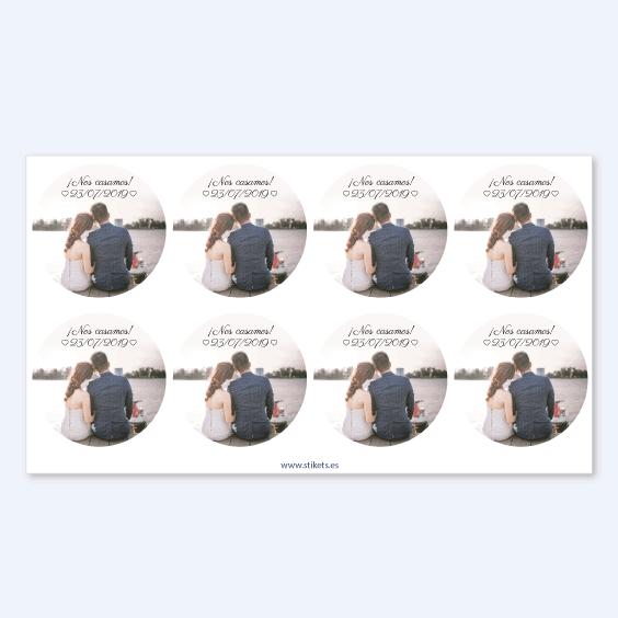Etiquetas redondas con foto para bodas