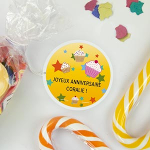 Etiquette anniversaire ronde à thème
