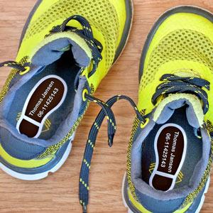 Schoenlabels in de vorm van een voet