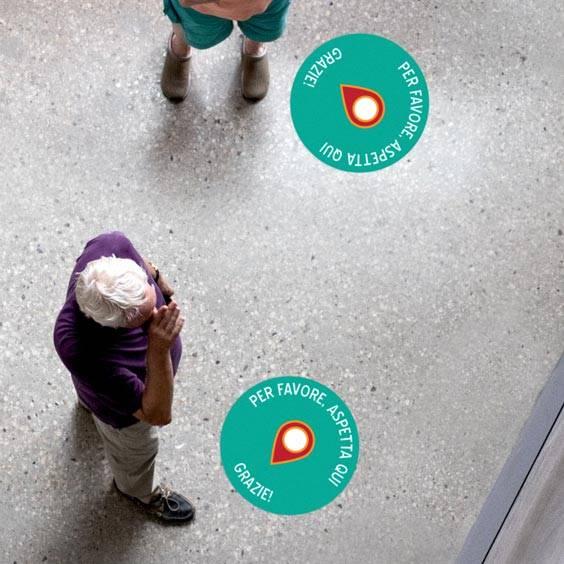 Adesivi rotondi personalizzati per pavimenti per il distanziamento di sicurezza