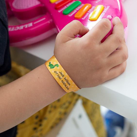 Pulseras identificativas para niños