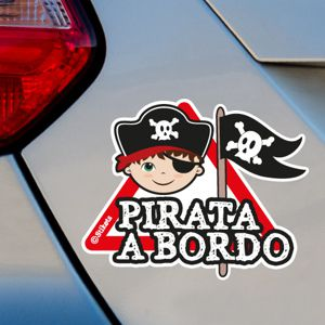Niño pirata a bordo