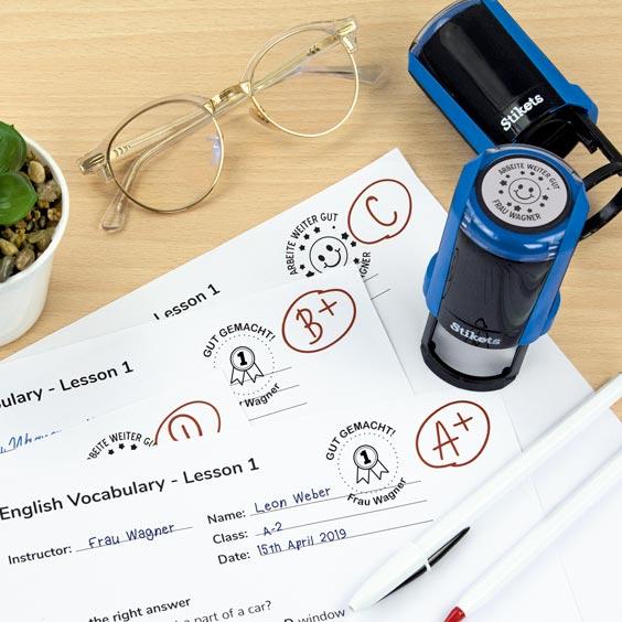 Runder personalisierter Stempel für Lehrer