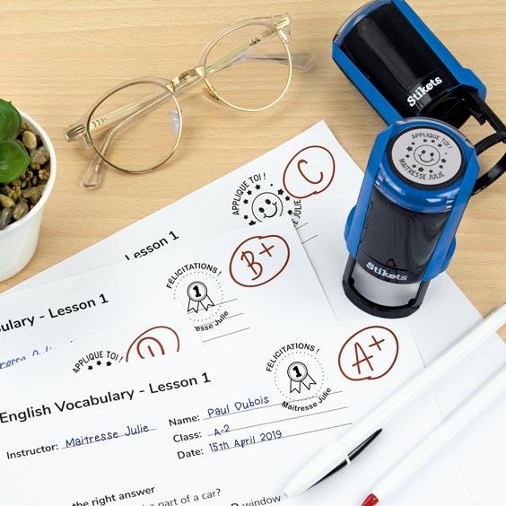 Tampon encreur rond pour enseignants